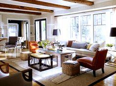5. Ne sous-estime pas le pouvoir de la texture En choisissant des couleurs très neutres, mais en variant les textures des meubles et même des murs dans ce cas-ci, la décoration prend une autre dimension.