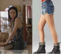 Fiona Gallagher (Emmy Rossum) wears these blue denim cut off shorts in this week's episode of Shameless. They are the Free People [...]