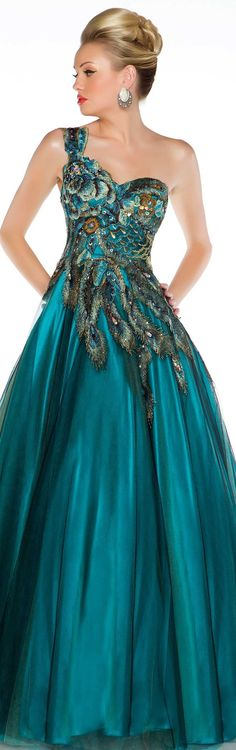 Mac Duggal couture 2013 ~ peacock dress ༺ß༻ Evening Dresses, Prom Dresses, Formal Dresses, Wedding Dresses, Dress Prom, Dresses 2014, Gown Wedding, Bridesmaid Dresses, Beautiful Gowns