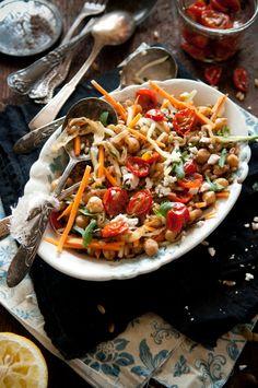 Roasted cherry tomatoes, chickpea & farro salad © Dina Avila