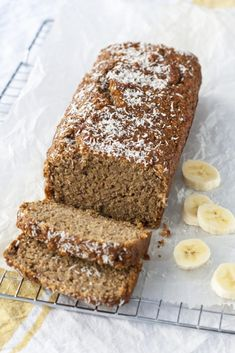 OMF_Vivian_BanaanKokosHavermoutBrood Healthy Pastry Recipe, Healthy Cake, Pastry Recipes, Healthy Sweets, Healthy Baking, Cake Recipes, Snack Recipes, Happy Foods, Sin Gluten