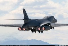 Rockwell B-1B Lancer aircraft picture