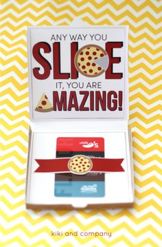 Teacher Appreciation Pizza Box Card from kiki and company. This Teacher Appreciation Pizza Box card is perfect to gift your teacher! I love sweet and simple gifts especially when I can wrap them up thoughtfully! Employee Appreciation Gifts, Employee Gifts, Volunteer Appreciation, Teacher Appreciation Week, Teacher Gifts, Volunteer Gifts, Student Teacher, Student Gifts, Teacher Cards