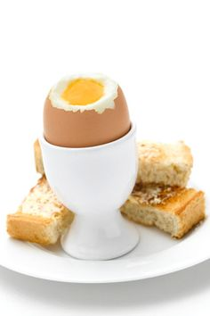 Egg & Soldiers (1 Runny Egg With ½ Slice Bread) = 100kcals - Low-Calorie & Low-Fat Snacks – Diet & Weight Loss (EasyLiving.co.uk)