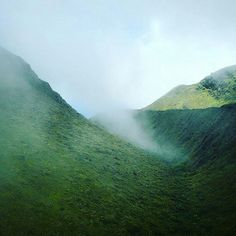 """Repost from Instagram ! #WeLike ! #Madinina by @yumeeka97 """"Dors ma jolie Montagne Pelée /Sleep my beautiful Pelée Montain @Regrann from  @cm_buddha -Ta photo is sublime-  when the fog makes its way #photography #travel #martinique #madinina #montain #montagne #westindies #island #caribbean #nature #fog #montagnepelée #Regrann"""" http://ift.tt/1Ny9Yxs"""
