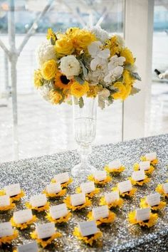 Summer Wedding Theme Ideas Leading to Beautiful Sunflowers   Wedding Stuff Ideas
