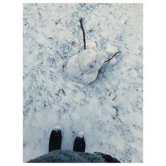 Geht es dir nicht gut kleiner Schneemann?  #snow #vscocam #schneemann #osterode #kaputt #schade #