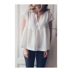 """316 mentions J'aime, 19 commentaires - Petites Choses (@petites_choses__) sur Instagram : """"Une 2e petite de ma blouse issue du livre #vetementssimplesetfacilesaufeminin avec le joli lange…"""""""