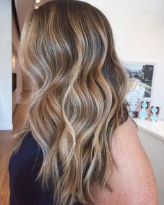 Balayage + bronde. Hair by SALON by milk + honey stylist, Taylor. #balayage #bronde #blonde #beachywaves