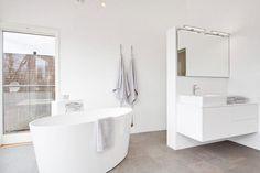 minimalistes petites salles de bains