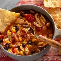 Southwestern Chicken Soup uses pantry ingredients for a quick and satisfying meal that's incredibly easy to make. Chicken Tortilla Soup, Cream Of Chicken Soup, Chciken Recipe, Weight Watcher Ground Beef Recipe, Southwestern Chicken Soup, Fajita Seasoning, Oven Baked, Baked Pork, Ground Beef Recipes