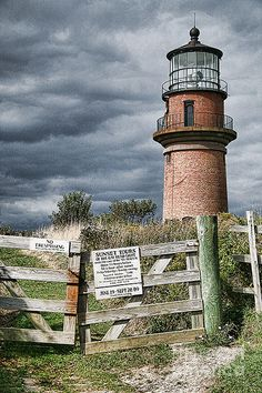 ✯ Martha's Vineyard light at the western side of the island