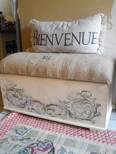 From Arggg to Oooh La La. Shows how to do the stencil free hand, how she refinished the trunk and how to make the cushion for the bench, not the pillow.This is such a beautiful piece.You must check her stuff out.She is amazing Painted Trunk, Hand Painted Furniture, Repurposed Furniture, Painted Boxes, Furniture Makeover, Diy Furniture, Refinished Furniture, Cedar Chest Redo, Blanket Box