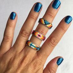 BEADRINGS Handmade Navajo sterling silver ring with three rows of colorful bead work. Beaded Rings, Beaded Jewelry, Bead Loom Bracelets, Bead Loom Patterns, Diy Rings, Sea Glass Jewelry, Fine Jewelry, Loom Beading, Beaded Bracelets