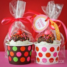 Delicious edible gifts perfect for Teacher Appreciation Day , Edible gifts for Teacher Appreciation Day: Ice Cream Sundae Cupcakes Cake Mix Cupcakes, Ice Cream Cupcakes, Cute Cupcakes, Vanilla Cupcakes, Cupcake Cakes, Cupcake Favors, Cream Cookies, Cup Cakes, Teacher Appreciation