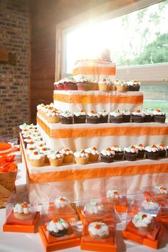 Cupcake display idea (take home option too!)