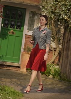 look inspired by Home Fires. Cardigan knitted from a 1940s pattern, skirt hand-made, shoes by Rocket Originals