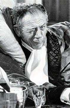 Ooh, what a Carry On! They're the films everyone loves. Now we give you an exclusive peek at the long-lost photos that languished in an archive for 50 years British Comedy, British Actors, Comedy Actors, Actors & Actresses, Sidney James, Cult Movies, Films, Photography Movies, People Of Interest