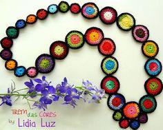 Trem das cores, colar de crochê | Flickr: partage de photos!
