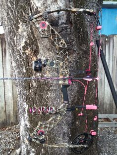 Mathews Jewel Lost Camo with pink accents. Mine is a Passion, but I love it! Pretty but deadly! I sooo want this! Just maybe without the pink accents Deer Hunting Season, Hunting Camo, Hunting Girls, Archery Hunting, Hunting Stuff, Matthews Bows, Bow Accessories, Hunting Equipment, Pink Accents