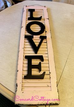 turn an old shutter into shabby chic wall decor, crafts, repurposing upcycling, seasonal holiday decor Shabby Chic Desk, Shabby Chic Wall Decor, Shabby Chic Interiors, Shabby Chic Kitchen, Metal Shutters, Window Shutters, Shabby Chic Painting, Chic Bedding, Chic Bathrooms