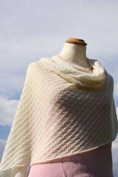 Bridal shawl / bridal wrap / wedding shawl / by LOVELYinWOOL, €99.90