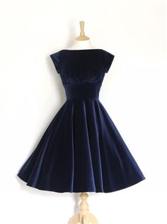Midnight Blue Velvet Evening Dress with Circle Skirt and Cap Sleeves