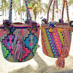 New collection.. Large size of Wayuu with Pom Pom 😍😍 สนใจสอบถามได้ทางไลน์เลยจ้าาา 📱@wayuustylebkk (มี @ นำหน้านะคะ) #wayuu #wayuubags #newcollection #wayuuthailand #wayuumochila #กระเป๋าโคลัมเบีย
