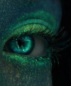 Mermaid's eyes -- artist Lindsay Tiry