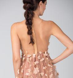#HildaFalatiCouture #RomanticaCollection #CamillaDress #CoutureIsInTheDetails #Couture #CoutureDress #UnderstatedLuxury #StyleInspiration #InStyle #FashionDaily #InstaStyle #InstaFashion #InstaDaily #RomanianDesigner