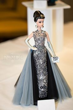Barbie for big girls. Barbie Gowns, Barbie Dress, Vintage Barbie Clothes, Beautiful Barbie Dolls, Barbie Collection, Beautiful Gowns, Neue Trends, Fashion Dolls, Evening Gowns