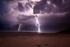 Scarborough, ME When lightning strikes sand, the intense temperatures can instantly fuse the sand together into lightning bolt-shaped fulgurite, which is classified as a mineraloid. Lightning Photography, Nature Photography, Pictures Of Lightning, Spiritual Photos, Lightning Strikes, Lightning Storms, Lightning Bolt, Sand Art, Photography
