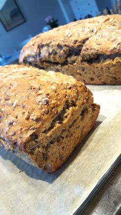 Kona til – Brødhøsten: Supersaftig speltbrød! Norwegian Food, Indian Food Recipes, Banana Bread, Nom Nom, Food And Drink, Cooking Recipes, Sweets, Lunch, Snacks