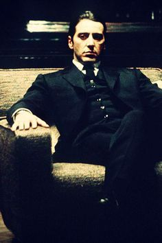 Amo Al Pacino. O desempenho dele, na minha opinião, no segundo filme da trilogia O Poderoso Chefão, está simplesmente demais!!!!