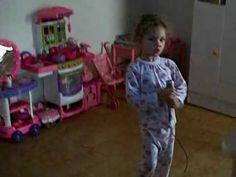 Isadora cantando Magníficos