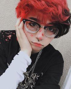 Emo Boy Hair, Red Hair Boy, Short Red Hair, Dyed Red Hair, Short Hair Cuts, Short Hair Styles, Tomboy Hairstyles, Pretty Hairstyles, Hair Dye Colors