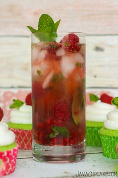 Raspberry Mojitos - Fresh lime, mint, raspberry and rum! | JavaCupcake.com