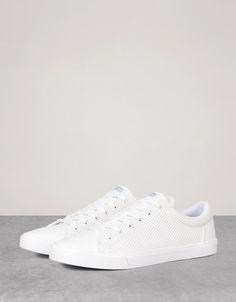 online retailer 32946 80c68 Bershka Colombia - Men s perforated sneakers Zapatos Hombre Deportivos,  Zapatillas Hombre Moda, Calzado Hombre