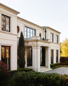 The Architecture and Interior Design Firm of Meyer Greeson Paullin Benson. We believe strongly in respecting the context of architecture and place. Classic House Exterior, Classic House Design, Dream House Exterior, Dream Home Design, House Outside Design, House Front Design, Neoclassical Architecture, Mediterranean Homes, Villa Design