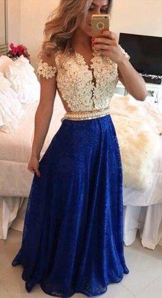 Vestido blanco con azul marino