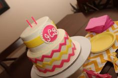 Chevron cake..... this is PERFECT for my graduation cake! Who wants to make this for me?!