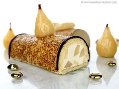Pear Mousse Yule Log - Recipe with images - Meilleur du Chef Pear Recipes, Pastry Recipes, Cake Recipes, Bouche Noel Recipe, Christmas Log Cake, Entremet Recipe, Pastry School, Yule Log, Dessert Bars