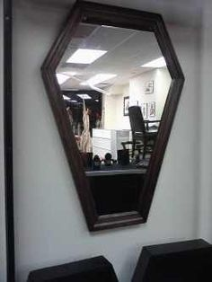 coffin mirror Horror Decor, Goth Home Decor, Gothic House, Inspired Homes, My Dream Home, Furniture Decor, Decorating Your Home, Skulls, Home Furnishings