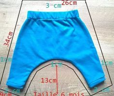 Coudre un sarouel pour bébé [Tuto - Baby Kleidung - Sewing Baby Clothes, Baby Sewing, Diy Clothes, Sewing Diy, Free Sewing, Sewing Hacks, Baby Outfits Newborn, Baby Boy Outfits, Kids Outfits