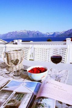 { SNART.... } Alcoholic Drinks, Wine, Glass, Food, Drinkware, Alcoholic Beverages, Meals, Yemek, Liquor
