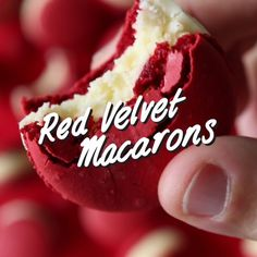 Red Velvet Macaron cookies with a fluffy cream cheese centre (Baking Desserts Videos) Baking Recipes, Cookie Recipes, Dessert Recipes, Homemade Cake Recipes, Baking Desserts, Recipes Dinner, Delicious Desserts, Yummy Food, Tasty