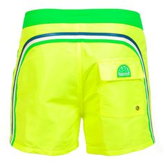 YELLOW AND GREEN MID LENGTH SWIM SHORTS WITH RAINBOW BANDS Fluo green short boardshorts with the three classic rainbow bands on the back. Elastic adjustable waistband. Snap button fastening and zip fly. Internal mesh. Two front pockets. A Velcro back pocket. Sundek logo on the back. COMPOSITION: 100% POLYESTER.