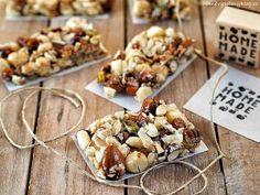 Pečené ořechy s medem (nuts, honey) Paleo, Dairy, Honey, Cheese, Homemade, Food, Diet, Home Made, Essen