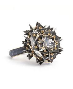 Ring | Ralph Bakker. 'Solitaire Sharp'.  Gold, silver, niello, opal quartz.