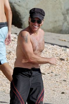 Jon Bon Jovi goes shirtless and we died, or not, girls? XD he's still got it!